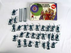 Vtg 1/32 Medieval Foot Soldiers Model Toy Soldiers 51474-5 Complete 28 Piece Set #Airfix