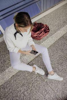 Spring Whites #outfit #white #denim #bomberjacket #topshop #hm #bandana #sneakers #blog  https://www.instagram.com/emma_hentzen/