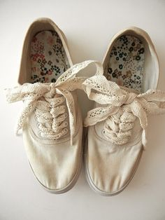 Tea-stained Shoes: I need a pair of these!