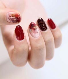 Those tender nail colors are suitable for the coming autumn. When you wear shirts and sweaters, they will be your best choices. New Year's Nails, Pink Nails, Hair And Nails, Pastel Nails, Korean Nail Art, Korean Nails, Cute Nails, Pretty Nails, Japanese Nail Art