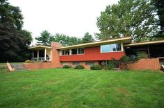 1950s Mid century home, 1,684 sq ft, with Bomb shelter and panic room. #1