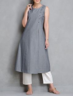 Grey Pin Stripe Cotton Kurta with Front Slit Kurta Patterns, Dress Patterns, Salwar Designs, Blouse Designs, Indian Dresses, Indian Outfits, Suits For Women, Clothes For Women, Desi Wear