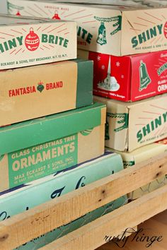 rusty hinge: 2013 Holiday Housewalk - love the display of Shiny Brite boxes!