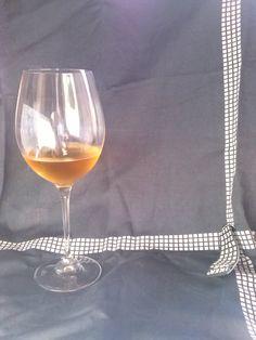 un calice di ottimo vino Caldosa IGP Azienda vitivinicola Caldosa. Arzachena, Sardegna