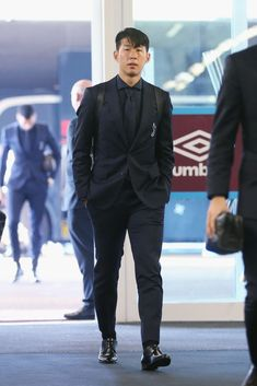 Heung-Min Son of Tottenham Hotspur arrives prior to the Premier League match between West Ham United and Tottenham Hotspur at London Stadium on October 2018 in London, United Kingdom. Get premium, high resolution news photos at Getty Images Neymar Son, Tottenham Wallpaper, North London, London United, Tottenham Hotspur Players, London Pride, White Hart Lane, Soccer Boys, Don Juan