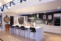 Photos by Fabb Studios New Kitchen, Kitchen Ideas, Kitchen Design, House Renos, Moving Out, Decoration, Book Design, Studios, Sweet Home