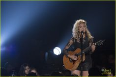 "Tori Kelly performing ""Nobody Love"" at the RDMAS April 25,2015"