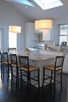 Seating around the kitchen island/table