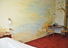 Naast de Plataankamers heeft Hotel de Plataan ook Basic-Plataankamers. De Basic-Plataankamers zijn wat kleiner dan de Plataankamers maar hebben nog steeds voldoende faciliteiten. 100 Euro, Hotels, Painting, Sycamore Trees, Painting Art, Paintings, Painted Canvas, Drawings