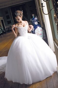 Princess wedding dress. love. love. love.