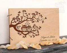 Hey, ho trovato questa fantastica inserzione di Etsy su https://www.etsy.com/it/listing/272040470/personalizzato-wedding-guest-book-legno