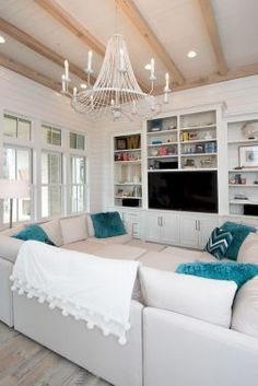 99 cozy and eye catching coastal living room decor ideas (22)