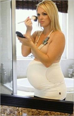 Your pregnant, what's the FIRST thing you should put on out of the shower... Your fav stretch mark product & your Pure Belly Wrap.