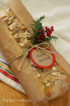 Wrapping Idea - The Red Feedsack: Christmas Almond Braid Christmas Bread, Christmas Food Gifts, Xmas Food, Christmas Goodies, Homemade Christmas, Holiday Bread, Bread Packaging, Dessert Packaging, Bakery Packaging