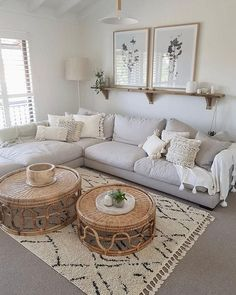51 Simple living room design in country house style - living room decor - 51 Simple . 51 Simple living room design in country house style – Living room decor – 51 Simple living room Boho Living Room, Interior Design Living Room, Home And Living, Living Room Designs, Modern Living, Bohemian Living, Simple Living Room Decor, Living Room With Carpet, Shelf Ideas For Living Room