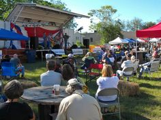 There's nothing like an outdoor concert on a gorgeous fall day!