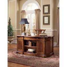 Shop for Hooker Furniture Desk and other Home Office Desks at Quality Furniture in Murfreesboro, TN. An extravagant desk that is both functional and fashionable. Its decorative design complements its functionality in perfect harmony. Hickory Furniture, Hooker Furniture, Furniture Design, Traditional Home Furniture, Goods Home Furnishings, Home Office Desks, Quality Furniture, Entryway Tables, Home Decor
