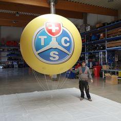 der Himmel ist leer, daher fallen fliegend Werbeobjekte extrem auf - Anfertigung von Heliumballone/Werbeballone nach Kundenwunsch - TCS Ballon ca. 2,5m - nach Kundenwunsch rundum 4c digital bedruckt