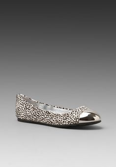 SENSO DIFFUSION Eager Flat in Black/White Pony $152