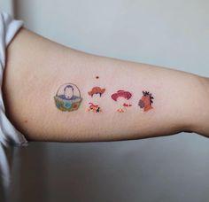 28 kleine Tattoo-Ideen von Studio By Sol – The Thrifty Kiwi Disney Tattoo – Fashion Tattoos Finger Tattoos, Body Art Tattoos, Tatuaje Toy Story, Unique Tattoos, Cool Tattoos, Tatoos, Woody E Buzz, Cute Disney Tattoos, Tattoo Disney
