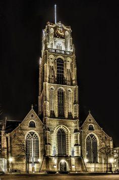 ik bezoek soms wel een kerk, de laatste was de sint. Laurenskerk in Rotterdam, ergens in Januari