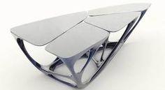 Diseños de interiores por Zaha Hadid. una mesa de polyurethano