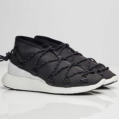 Y3 Releases Cross-Lace Run in Black and White Colourway - Go to pausemag.co.uk for more info @pause_online