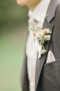 Floral decoration on Groom's dress Floral Tie, Floral Design, Groom Dress, Bouquet, Decoration, Flowers, Wedding, Dresses, Fashion