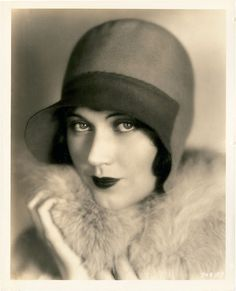 Fay Wray 1920's. I'm just going to put it out there that I have a thing for vintage women.