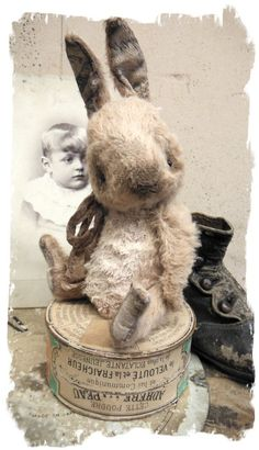 """Antique Style ★ TiNY CHUBBY Old Cream White RABBIT vintage ★Whendi Bears"""