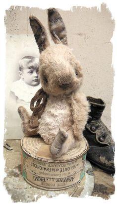 """Antique Style ★ TiNY CHUBBY Old Cream White RABBIT vintage ★Whendi Bears"""