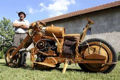 Wooden Chopper by Slawomir Weremkowicz. It works!