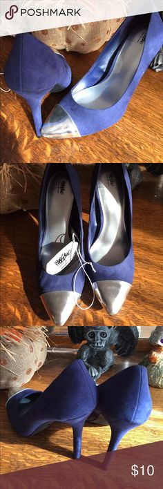 "NWT MOSSIMO navy & silver heels sz 9 these heels are amazing, and a REPOSH!! There just a little bit too big my heel slides out so I can't wear them and here they are in wonderful condition heel 5"" Mossimo Supply Co Shoes Heels"