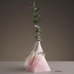 From Prodeez Product Design: Indefinite Vase by Studio E.O. #furniture #vase #glass #creative #design #ideas #designer #studioeo #interior #interiordesign #product #productdesign #instadesign #furnituredesign #prodeez #industrialdesign #architecture #style