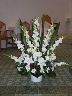 Large Flower Arrangements for Church   Church Arrangement Closeup