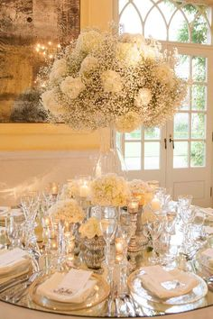 Hochzeitlocations Weddings and event flowers - Mary Jane Vaughan Los Angeles Wedding Ceremony Decorations, Wedding Table Centerpieces, Flower Centerpieces, Centrepieces, Centerpiece Ideas, Gypsophila Wedding, Wedding Bouquets, Wedding Cakes, Floral Wedding