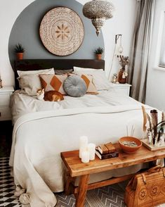 The new year is upon us! What do you think of this bohemian bedroom Inspo from … The new year is upon us! What do you think of this bohemian bedroom Inspo. Boho Bedroom Decor, Home Bedroom, Modern Bedroom, Bohemian Decor, Bedroom Ideas, Cat Bedroom, Design Bedroom, Summer Bedroom, Bedroom Images