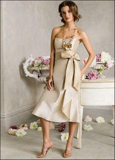 Great champagne bridesmaid dress for a tall bridesmaid :) Gorgeous!
