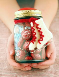 Ice Skating {date} In A Jar ~ Diy Valentine's Day Gift