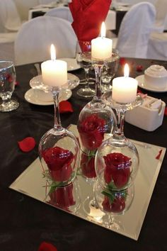 Use an upturned wine glass as a candle holder Use an upturned wine glass as a candle holder Dollar Store Christmas Table Centerpieces – Wine Glass Candle Holders Christmas Table Centerpieces, Elegant Centerpieces, Wedding Table Centerpieces, Wedding Decorations, Centerpiece Ideas, Wedding Ideas, Trendy Wedding, Decor Wedding, Wine Glass Centerpieces