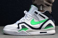 NIKE-AIR-TECH-CHALLENGE-II-POISON-GREEN