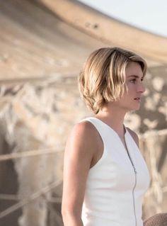 Love her hair Divergent Hair, Be Brave Divergent, Divergent Fandom, Divergent Trilogy, Divergent Insurgent Allegiant, Shailene Woodley, Theo James, Tris Prior, Celebs