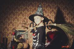 Sesión de fotos infantil de halloween en estudio en barcelona, sesión de fotos halloween, Fotógrafo de niños en Barcelona, photography, 274km, Gala Martinez, Hospitalet, Studio, estudi, estudio, nens, kids, children,  boy, niño, esqueleto, esquelet, skeleton