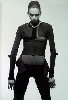thedoppelganger:  Helmut Lang Fall 2003Photographers: Inez van Lamsweerde & Vinoodh MatadinModel: Elise CrombezStyling: Melanie Ward