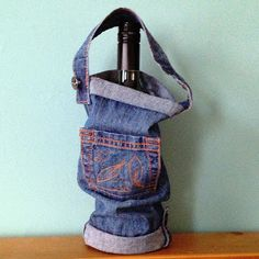 Love this - repurposing old jeans to make a reusable bottle bag!