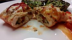 Chicken with cheese, red peber and basile