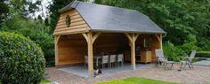 Traditionele eikenhouten bijgebouwen lRussell Woods uw partner!