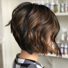 60 Chocolate Brown Hair Color Ideas for Brunettes - Chin-Length Warm Brown Balayage Bob - Brown Bob Hair, Medium Brown Hair, Dark Hair, Dark Brown Short Hair, Ash Brown, Medium Choppy Hair, Light Brown Bob, Light Brown Highlights, Hair Highlights