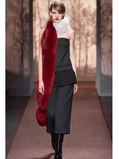 MARNI - FOX FUR SHAWL - LUISAVIAROMA - LUXURY SHOPPING WORLDWIDE SHIPPING - FLORENCE