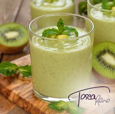 #Kiwi Coconut Citrus Smoothie - switch up what you're blending up! New #EatClean recipe up on my blog at www.ToscaReno.com!